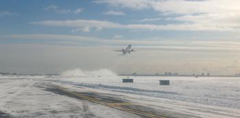 В США из-за холодов отменены более тысячи авиарейсов