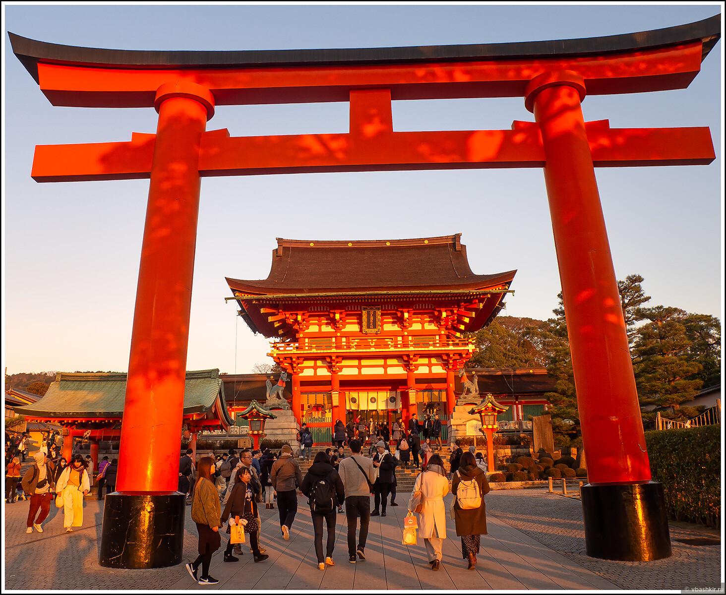 Вход в Фусими Инари., Исчезающий ниндзя или Киото+