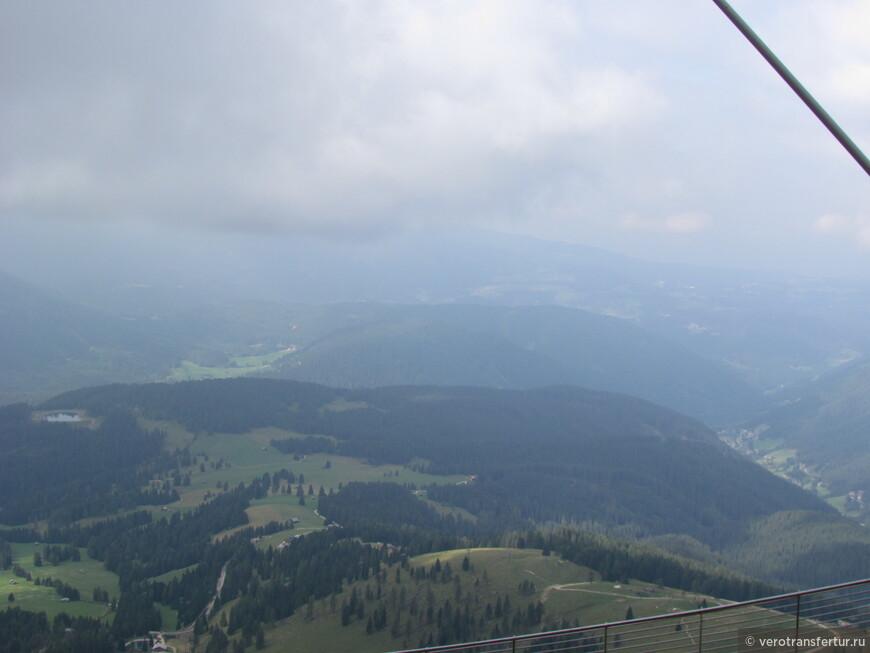 Вид на долину натурального парка Sciliar-Ctenaccio от приюта Fronza delle Coronelle , высота 2337 Мт.