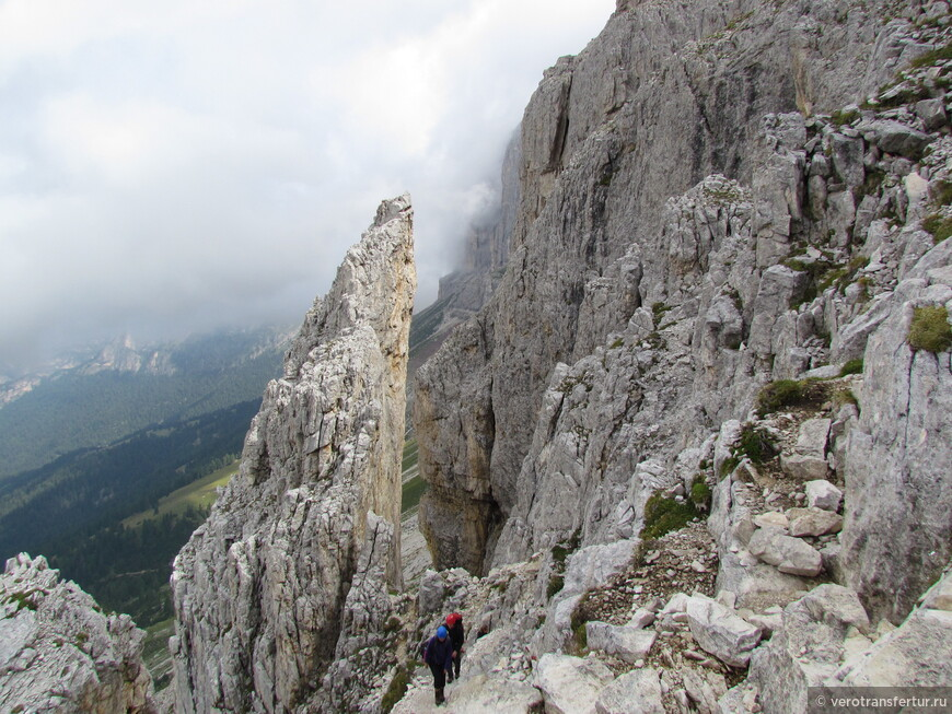 Первое не большое ущелье по направлению к приюту Vajolet.