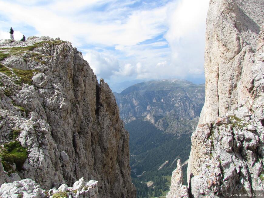 Панорамы с западной стороны горного массива натурального парка Sciliar Catenaccio