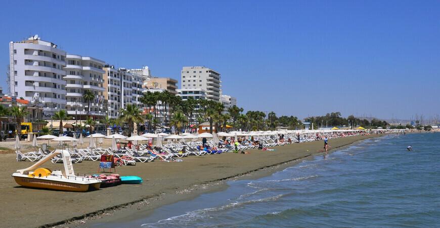 Пляж Финикудес (Finikoudes Beach)