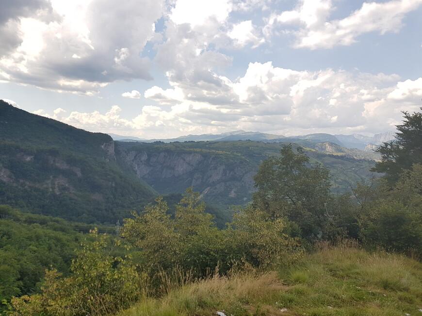 Черногория, Петровац — горы и пляжи