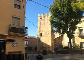 Торредембарра: красота малых городов и маяк
