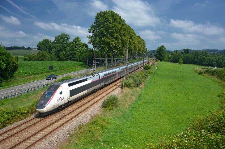 Скоростной поезд TGV inOui