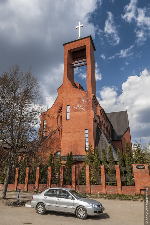 Храм Преображения Господня — католический храм города.