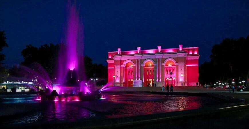 Большой театр имени Алишера Навои в Ташкенте