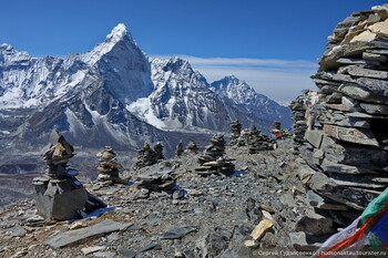 Базовый лагерь на Эвересте закрыли из-за мусора