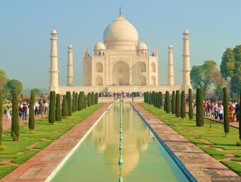 Индия ввела электронные визы для туристов со всего мира