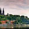 Тайны Праги - Вышеград. Вид на базилику св.Петра и Павла и дома под Вышеградом. Экскурсии с частным индивидуальным гидом по Праге.