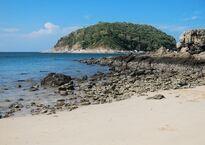 Пляж Януи во время отлива