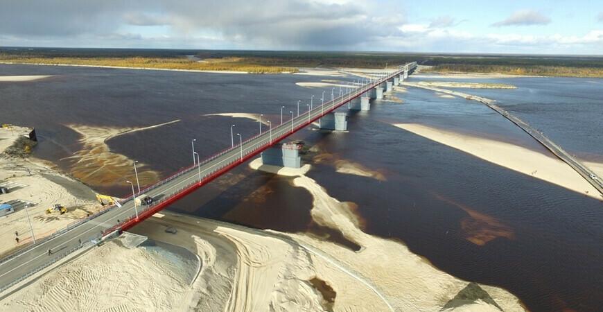 Мост «Победа» через реку Надым
