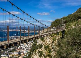 Гибралтар. Подвесной мост и обезьяны