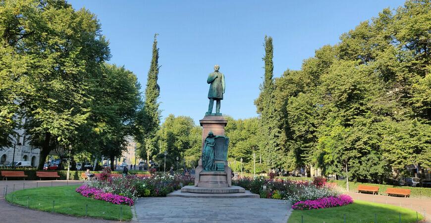 Парк Эспланады в Хельсинки