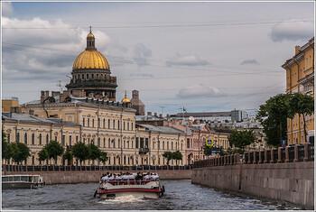 Названы самые популярные города РФ для путешествий на 8 Марта