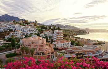 Оформление испанской визы потребует больше денег на счету туриста