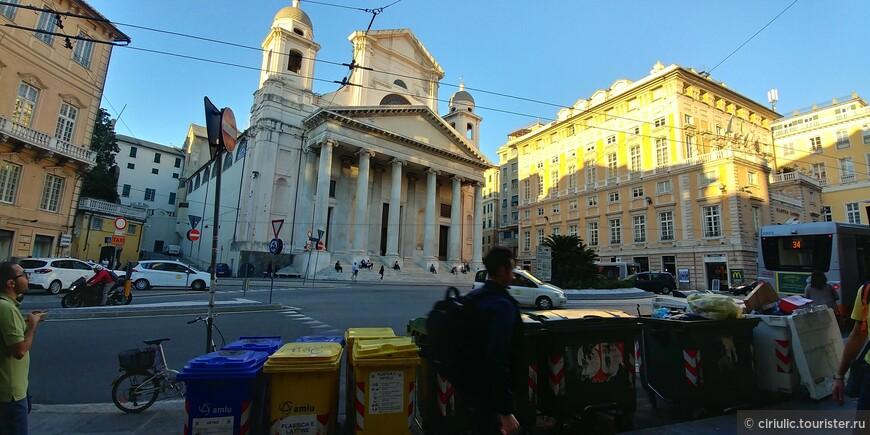 Вид на самую красивую церковь города...базилики делл Аннунциата..