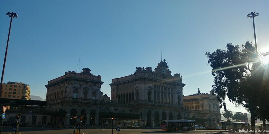 Вокзал Бриньоле.Отсюда хорошо путешествовать по маленьким лигурийским городкам.