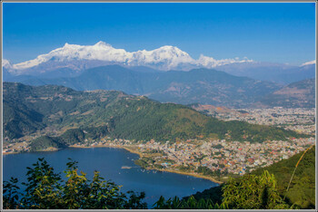 Турист из РФ разбился на параплане в Непале