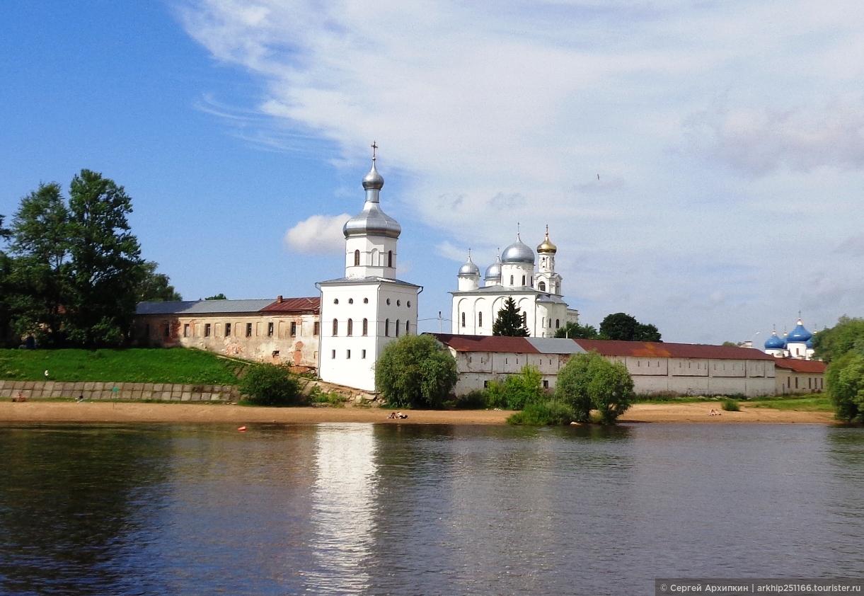 Лучшее возле Великого Новгорода — Витославлицы и Юрьев монастырь
