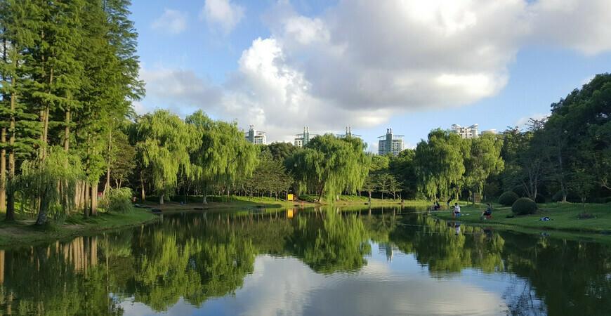 Парк Века в Шанхае