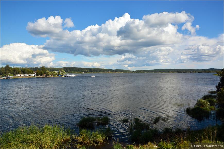 Безусловно, самое красивое в Сортавале это Ладожское озеро.