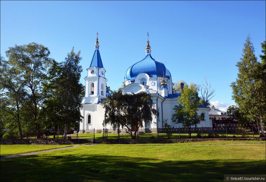 Церковь Николая Чудотворца в Сортавале. Построена в конце 19 века на средства братьев Елисеевых. Красивая, тихая, какая-то умиротворяющая.