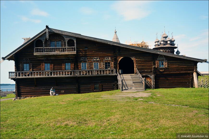 Дом Ошевнева, памятник деревянного зодчества.