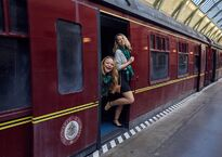 Hogwarts-Express-in-The-Wizarding-World-of-Harry-Potter-Jet-Sisters.jpg