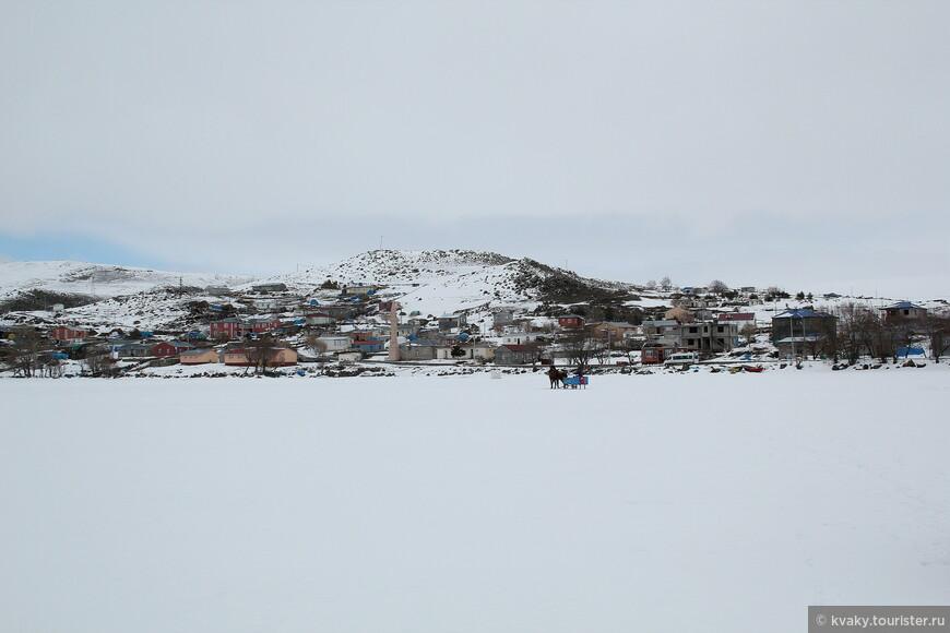 Берег озера Чилдыр