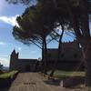 вилла 15 - 16 веков, в годы Второй Мировой войны немцы здесь устроили склад боеприпасов, и. отступая, подорвали его вместе с виллой... теперь это современная постройка под старину винногастрономические туры и дегустации в Тоскане и Флоренции с Сомелье