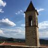 колокольня на фоне голубого тосканского небо винногастрономические туры и дегустации в Тоскане и Флоренции с Сомелье