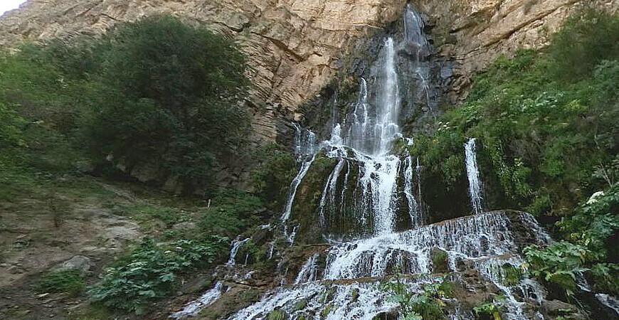 Сангардакский водопад в Денау