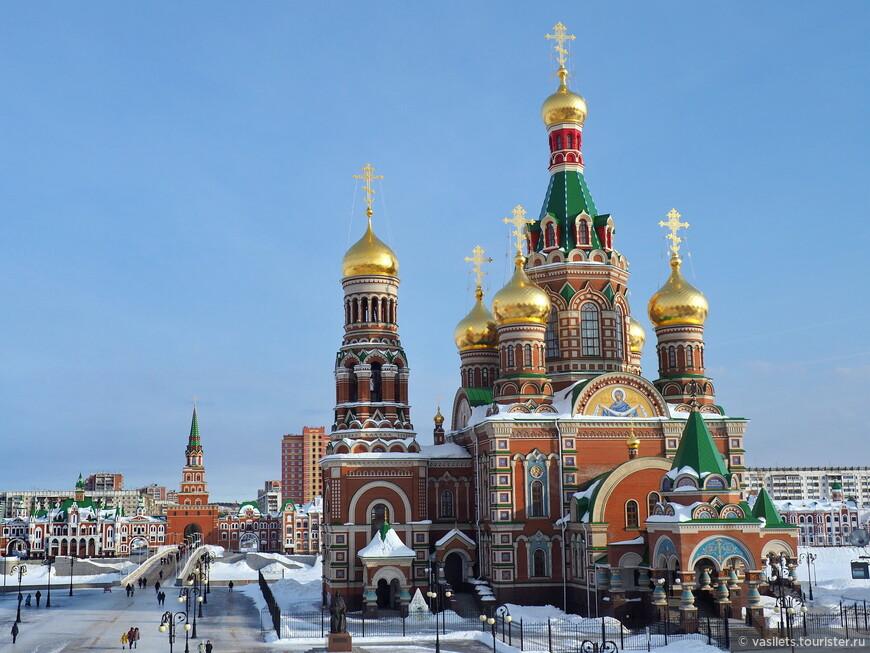 Пусть это новодел на площади Девы Марии, но, на мой взгляд, Вознесенский храм выглядит очень симпатично
