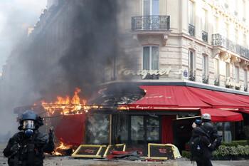 Знаменитый ресторан в Париже был разгромлен в ходе беспорядков