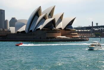 Австралия откажет во въезде туристам, осужденным за домашнее насилие