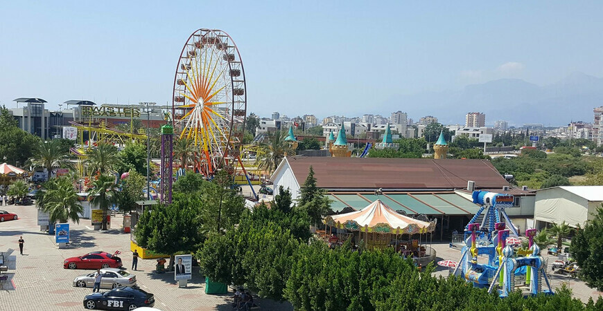 Луна-парк Анталии (Aktur Lunapark)