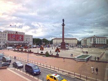 Транспорт на площади Победы