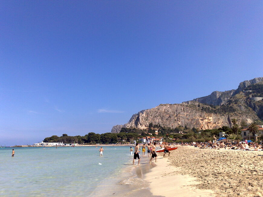 Монделло, Сицилия - пляжный курорт вблизи Палермо || Пляжи в палермо где можно купаться