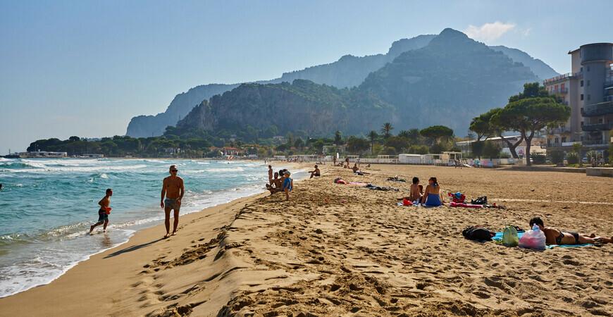 Пляж Монделло