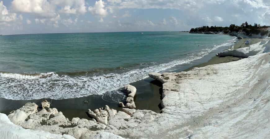 Пляж Калимнос в Ларнаке, Кипр