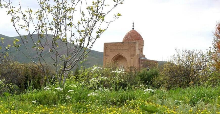 Мавзолей Мухаммада Содика в Катта Лангар