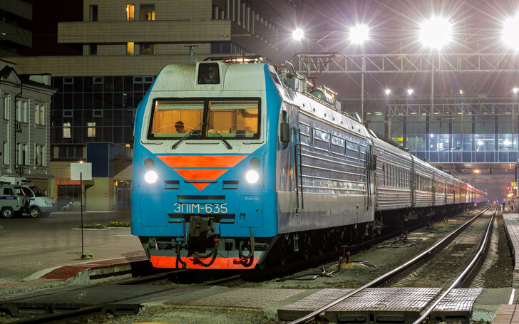 Поезд Мурманск — Адлер (Сочи)