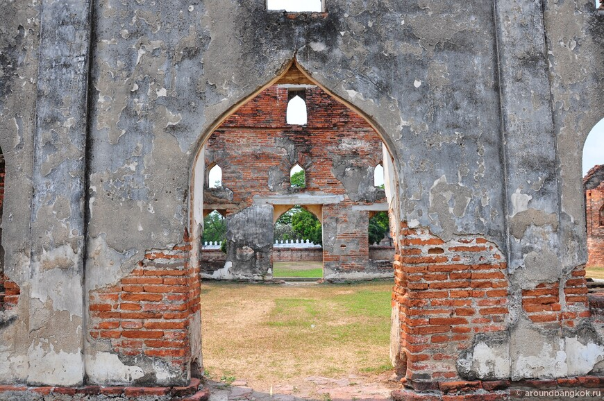 Дворец Нарая в Лопбури