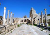 Руины античного города Перге
