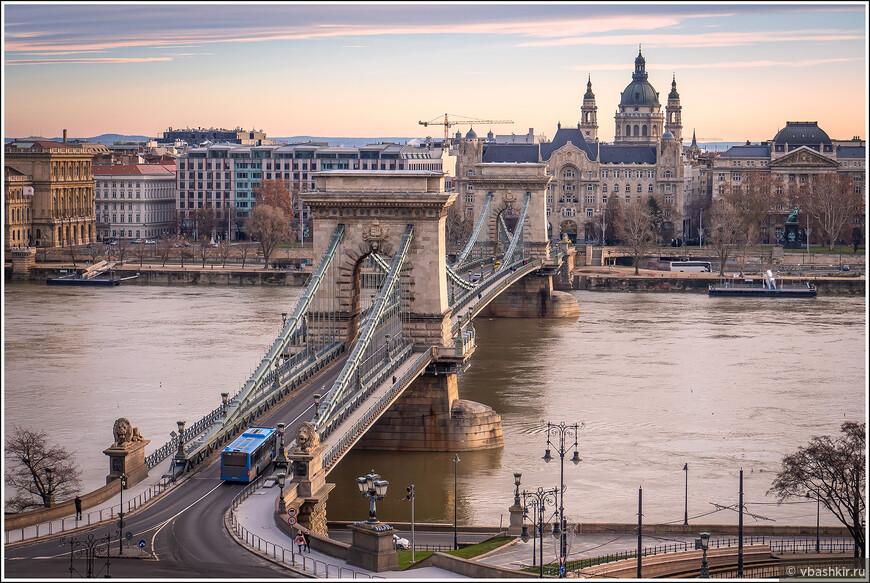 Мост Сеченьи с Замкового холма.