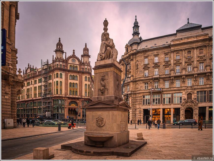 Площадь Францисканцев.