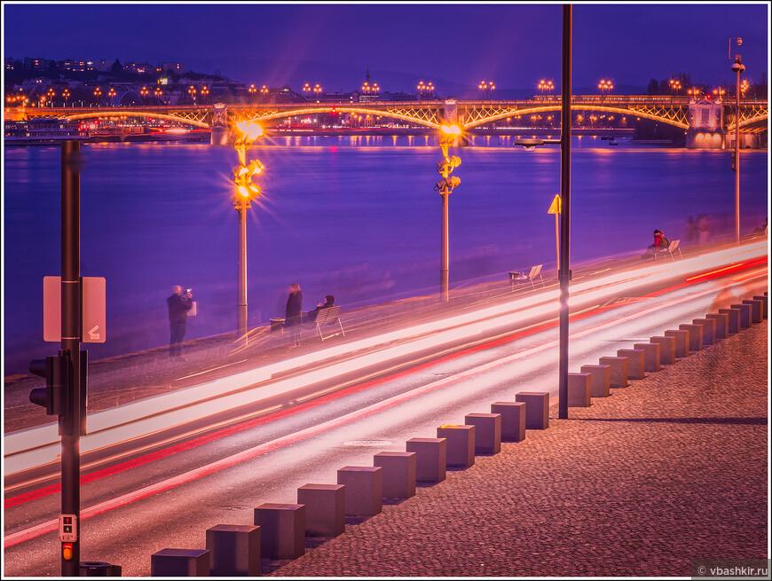 Набережная в Пеште и мост Магрит.