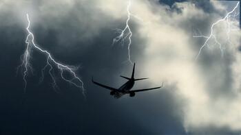 Молния попала в самолёт в Шереметьево
