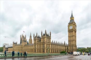 Великобритания должна покинуть ЕС 1 июня, если откажется от выборов в Европарламент